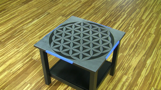 Learn how to stencil a small table using the Flower of Life Mandala Stencil from Cutting Edge Stencils. http://www.cuttingedgestencils.com/flower-of-life-mandala-stencil-yoga-design.html