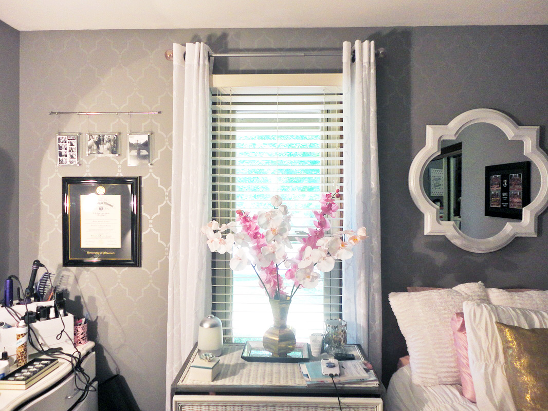 A stenciled bedroom accent wall using the Marrakech Trellis Stencil from Cutting Edge Stencils. http://www.cuttingedgestencils.com/moroccan-stencil-marrakech.html