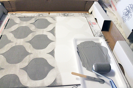Learn how to stencil a DIY accent pillow using the Cascade pillow stencil kit from Cutting Edge Stencils. http://www.cuttingedgestencils.com/cascade-stencils-paint-a-pillow-kit.html