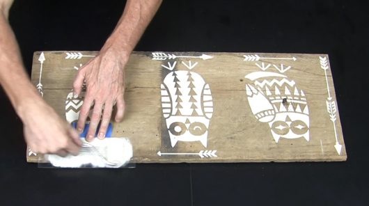 Learn how to stencil wood art using a pallet and the Owls and Arrows Stencil Kit from Cutting Edge Stencils. http://www.cuttingedgestencils.com/owls-arrows-stencil-kit-nurseries.html