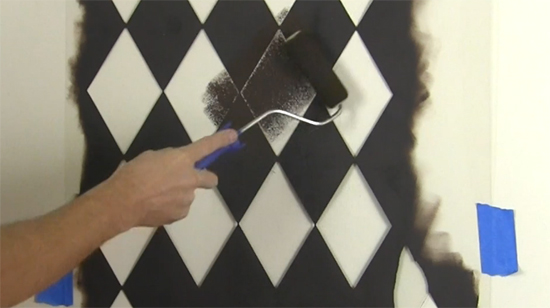 Learn how to stencil the Harlequin Allover pattern, a Geometric inspired wall stencil, from Cutting Edge Stencils. http://www.cuttingedgestencils.com/harlequin-stencil-pattern.html