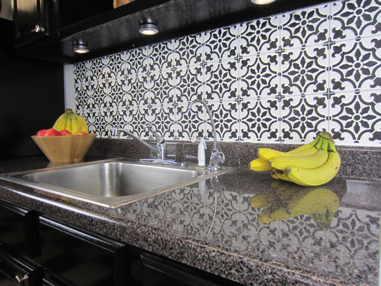 Fine How To Stencil A Faux Tile Backsplash Home Remodeling Inspirations Genioncuboardxyz