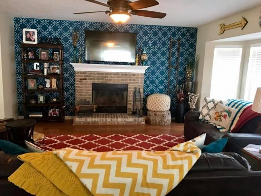 A DIY stenciled living room accent wall using the Sarah Trellis Allover Stencil from Cutting Edge Stencils. http://www.cuttingedgestencils.com/sarah-trellis-stencil-moroccan-stencils-wall-pattern-design.html