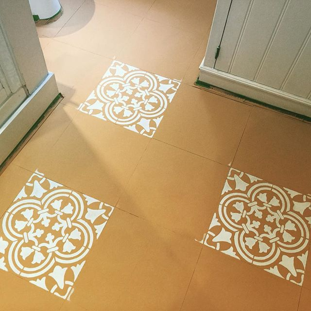 Learn how to stencil vinyl tiles in a bathroom using the Augusta Tile Stencil from Cutting Edge Stencils. http://www.cuttingedgestencils.com/augusta-tile-stencil-design-patchwork-tiles-stencils.html