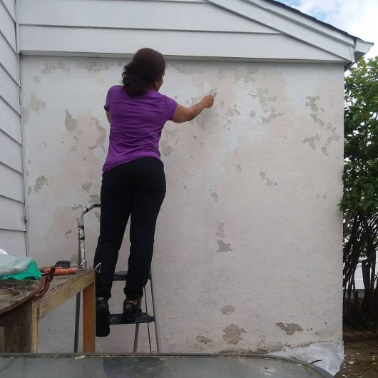 Learn how to stencil a cement wall with the Brick Wall Stencil pattern from Cutting Edge Stencils. http://www.cuttingedgestencils.com/bricks-stencil-allover-pattern-stencils.html