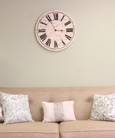 farmhouse-clock-stencil-diy-stenciled-rustic-wall-clock-tutorial (2)