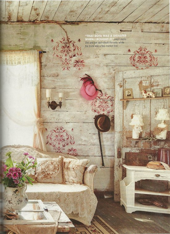 A living room found in Flea Market Decor Magazine that features the Gabrielle Damask Stencil from Cutting Edge Stencils. http://www.cuttingedgestencils.com/damask-stencil-3.html