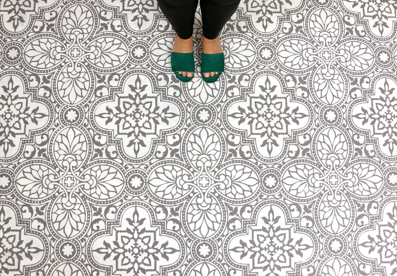 stenciled alatera tile floor final