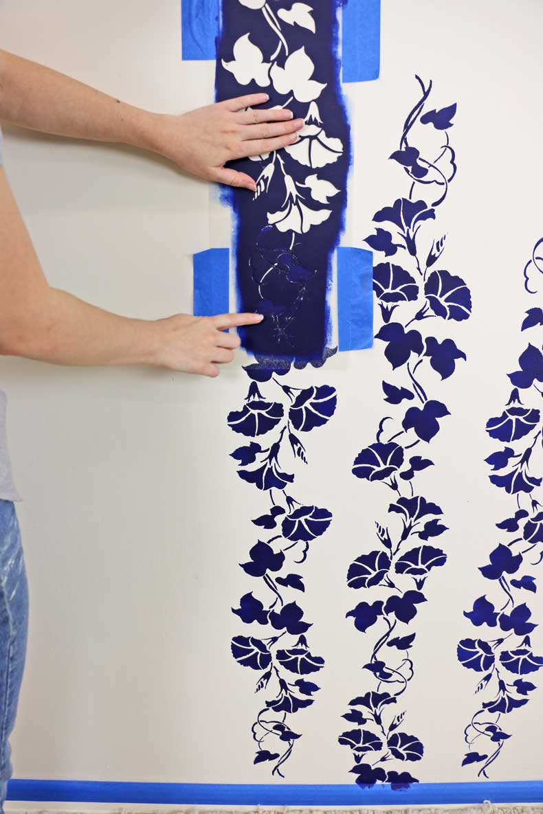 stencil floral feature wall point alignment