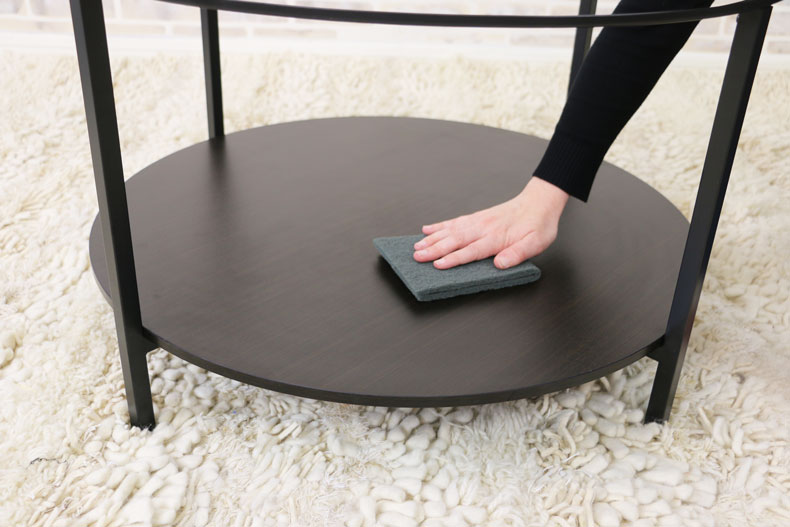 scuff table with pad